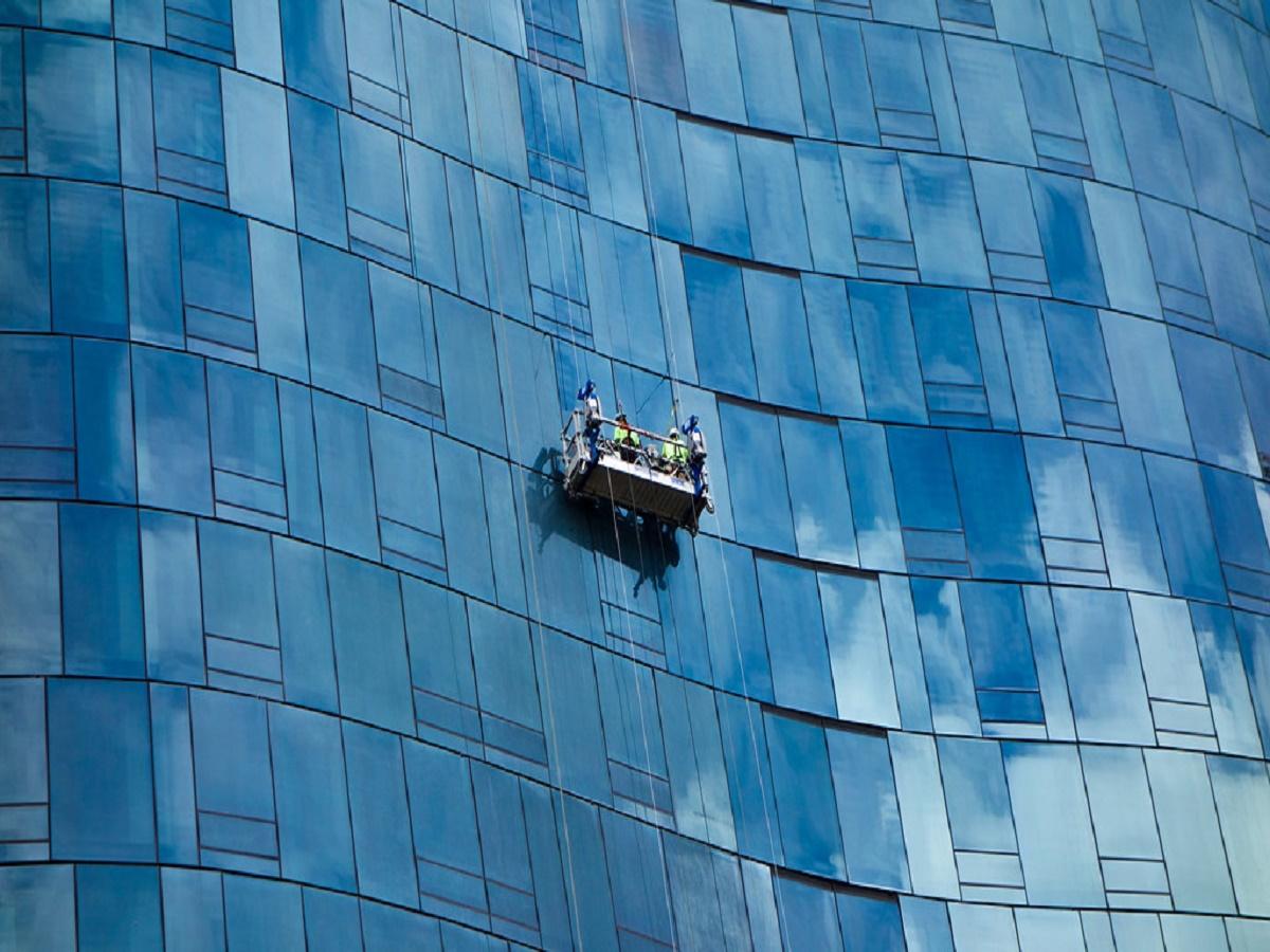 055 signature window cleaning denver